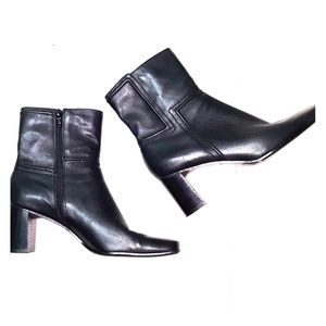 Nine West black leather heeled boots sz 7